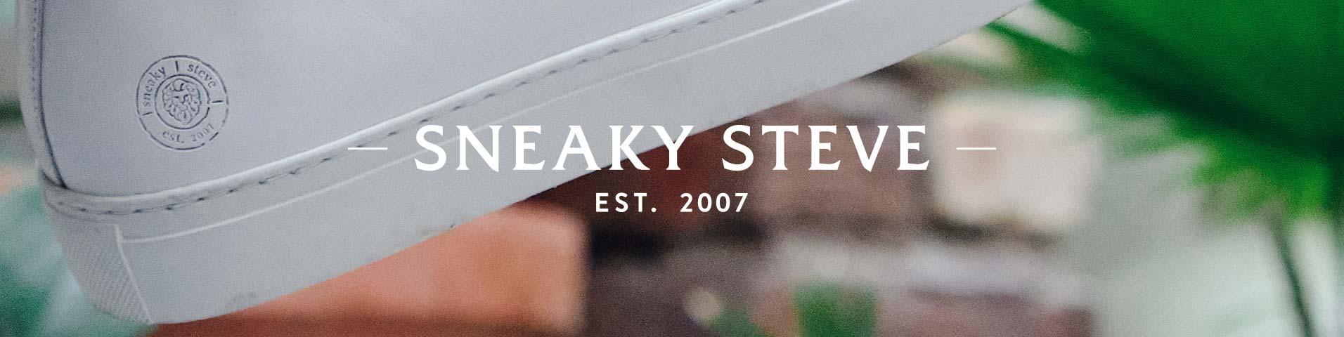 Bruna Sneaky Steve Skor & kläder online. Alltid Fri Frakt