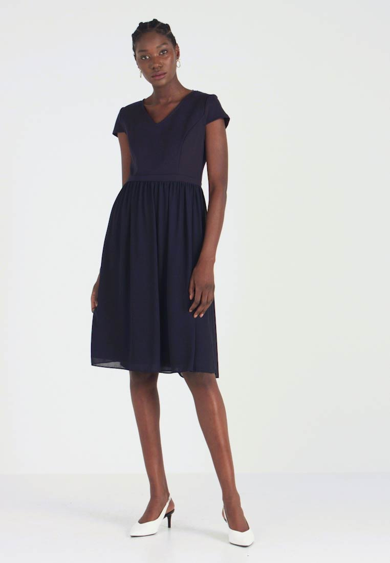 Apart - DRESS - Cocktailkjoler / festkjoler - midnightblue - 1