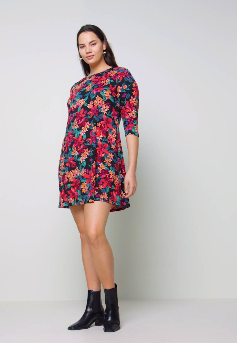 CAPSULE by Simply Be - DIPPED HEM SWING DRESS - Jersey dress - pink floral - 1