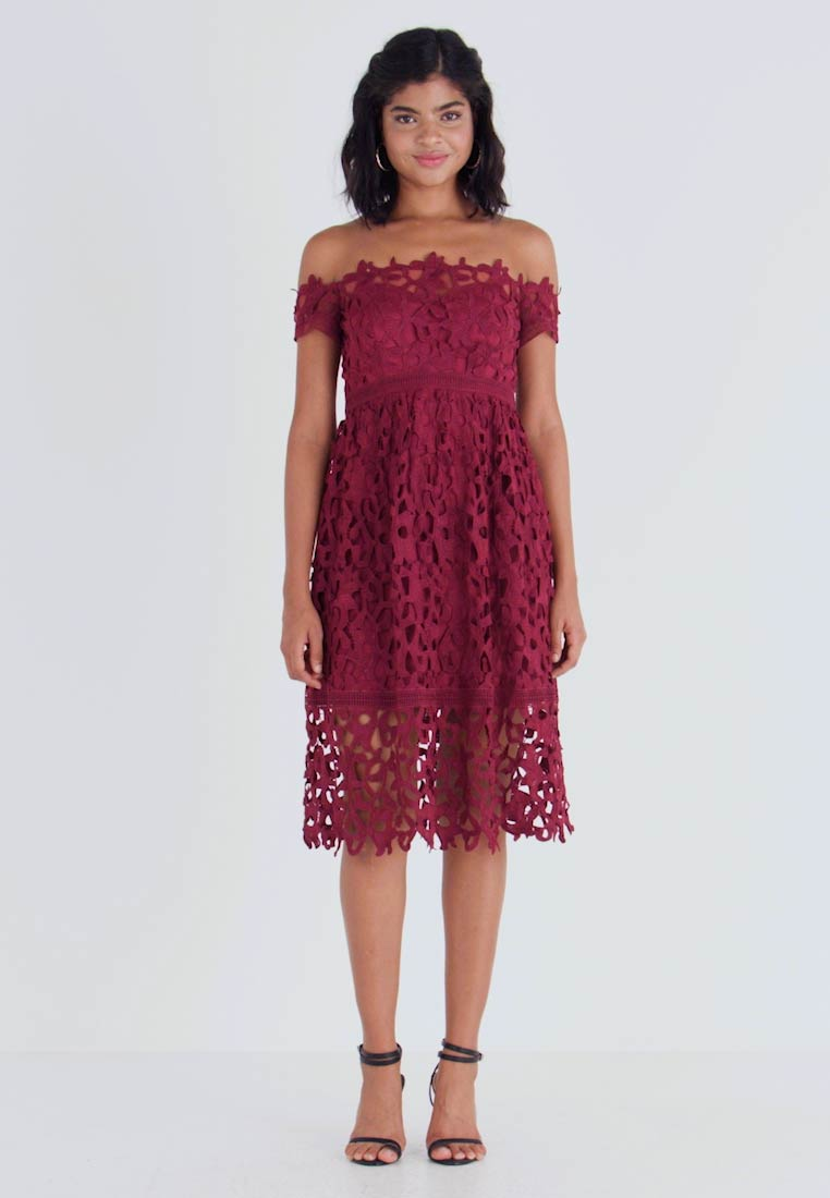 Chi Chi London - LIZANA DRESS - Cocktail dress / Party dress - burgundy - 1
