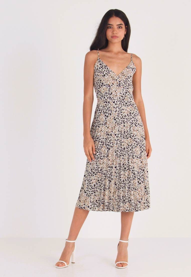 Dorothy Perkins Tall - CAMO ANIMAL PLEATED STRAPPY MIDI - Vardagsklänning - khaki - 1