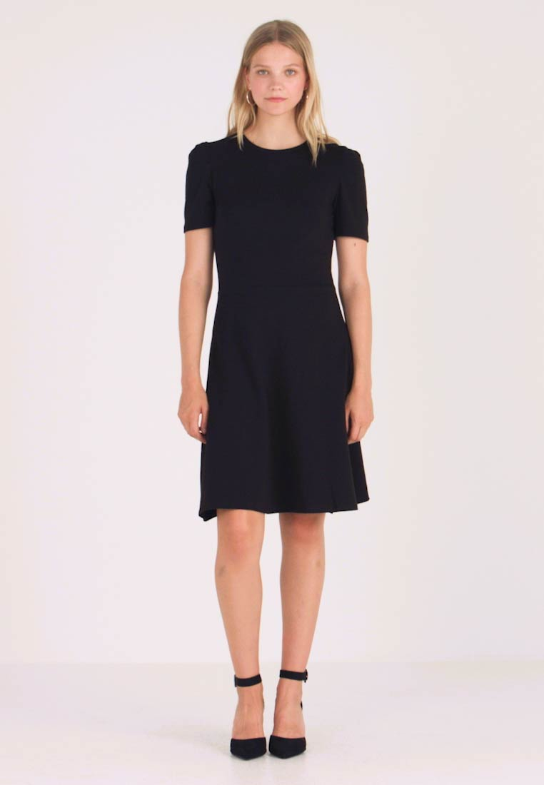 Dorothy Perkins - TUCK SLEEVE FIT AND FLARE - Jerseykjoler - black - 1