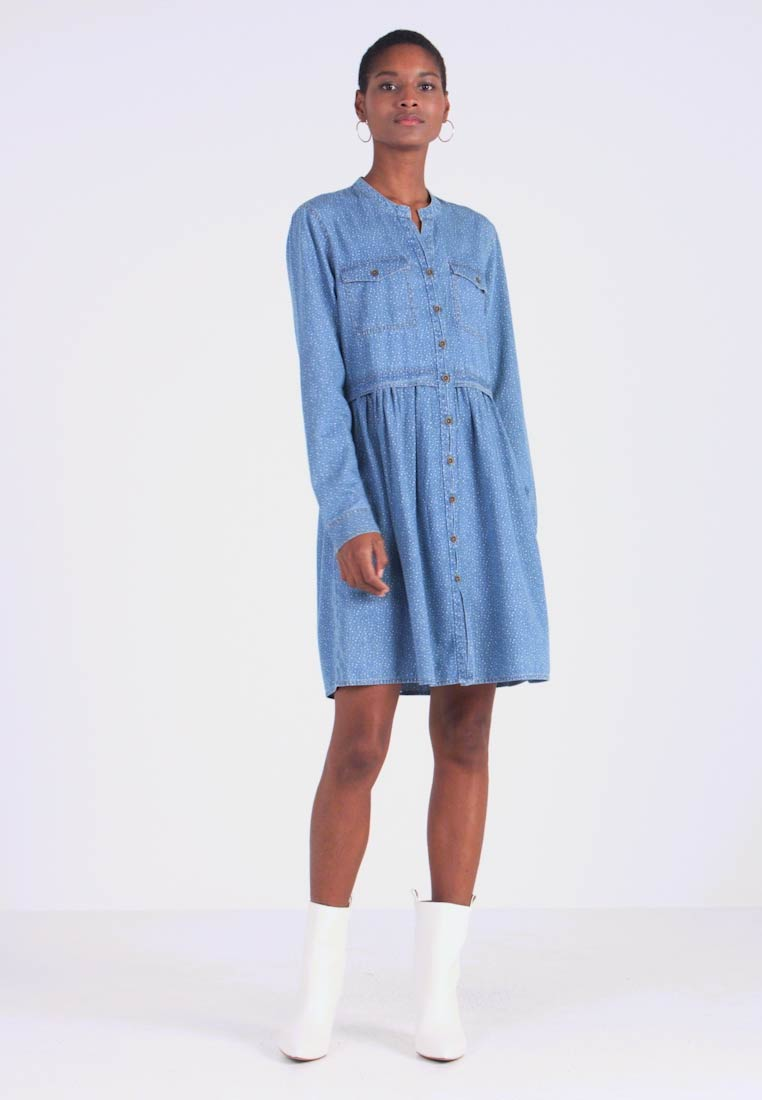 edc by Esprit - DRESS - Robe en jean - blue light wash - 1