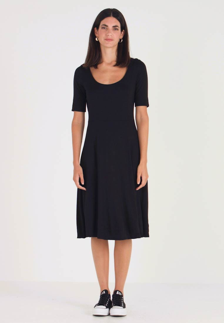 GAP - SCOOP SWING DRESS - Žerzejové šaty - true black - 1