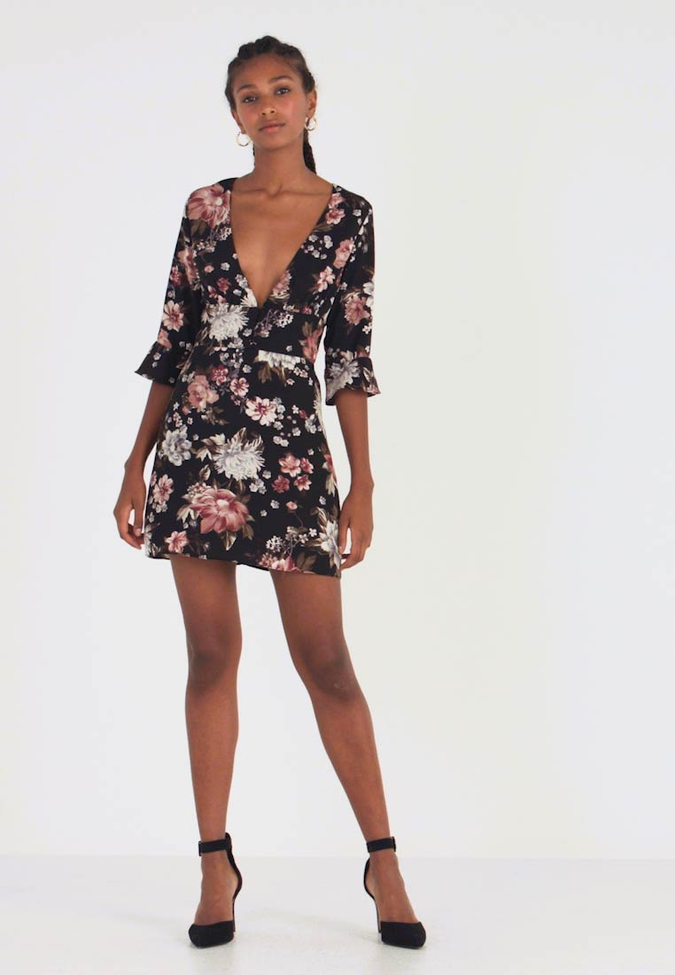 Honey Punch - PRINTED BIAS NECK DRESS - Robe d'été - black - 1
