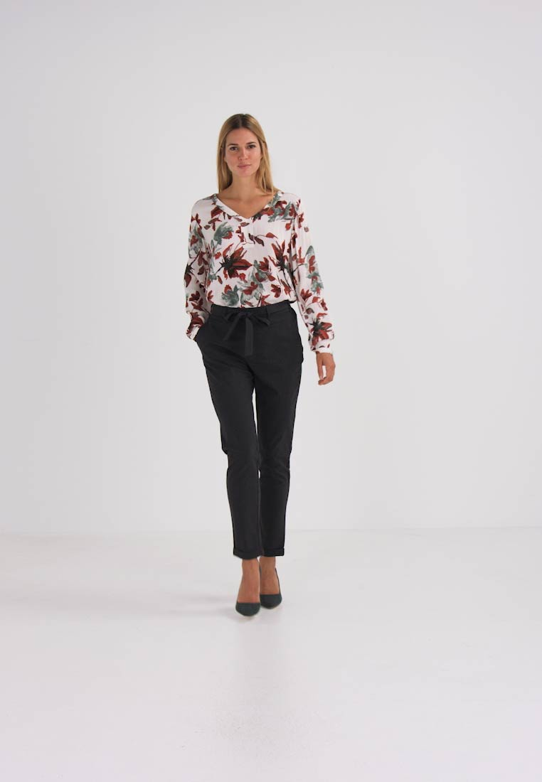 Kaffe - JILLIAN BELT PANT - Bukse - dark grey melange - 1