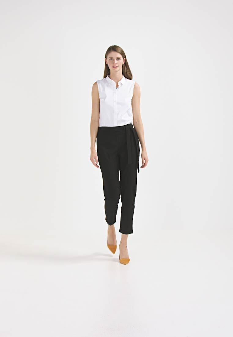 Kaffe - JILLIAN BELT PANT - Broek - black deep - 1