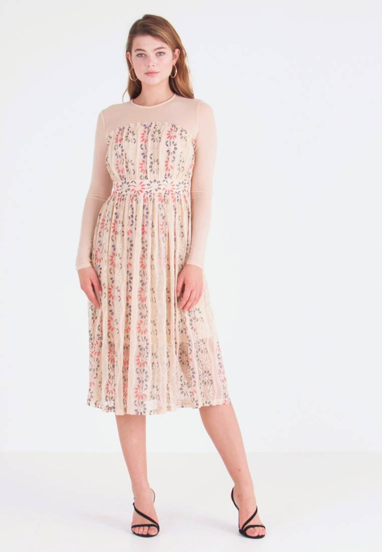 Lost Ink - MULTI FIT AND FLARE DRESS - Robe de soirée - pink - 1
