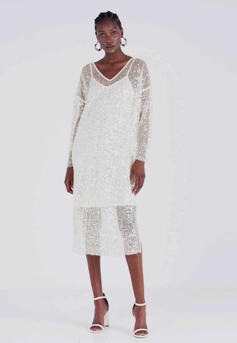 Love Copenhagen - MALY SEQUINS DRESS - Cocktail dress / Party dress - champagn metallic - 1