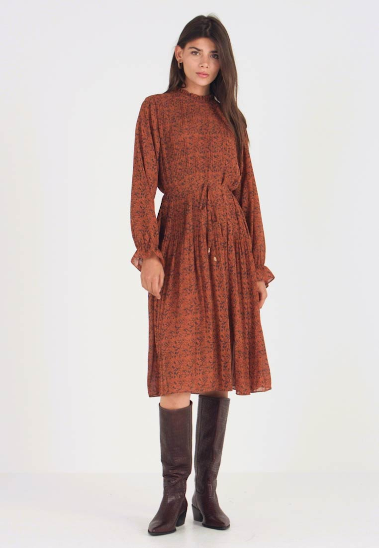 Louche - STARLEAF - Day dress - toffee - 1