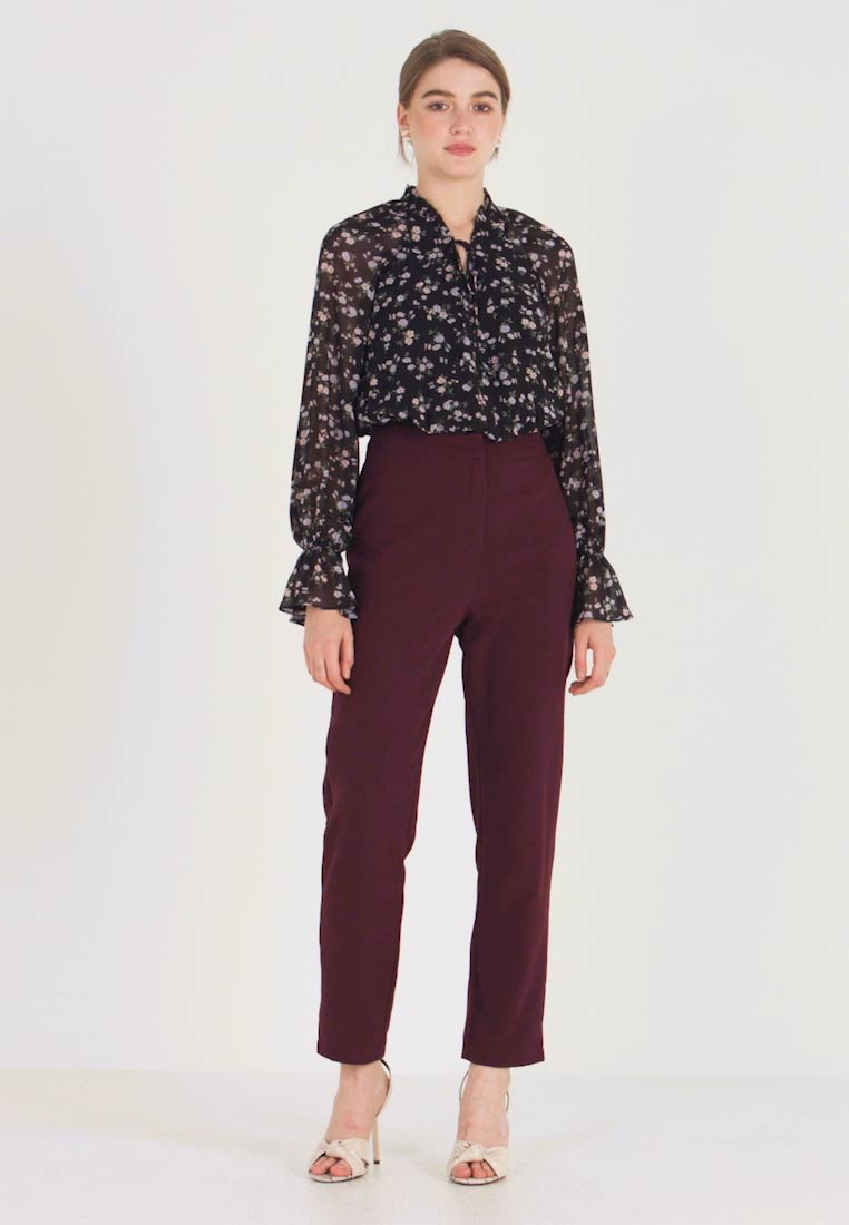 Missguided - HIGH WAISTED CIGARETTE TROUSERS - Bukse - burgundy - 1