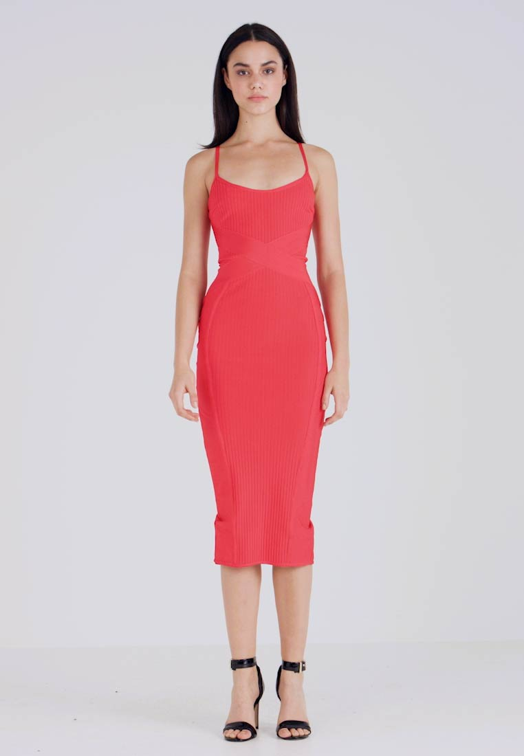 Missguided - CROSS FRONT BANDAGE CAMI DRESS - Fodralklänning - red - 1