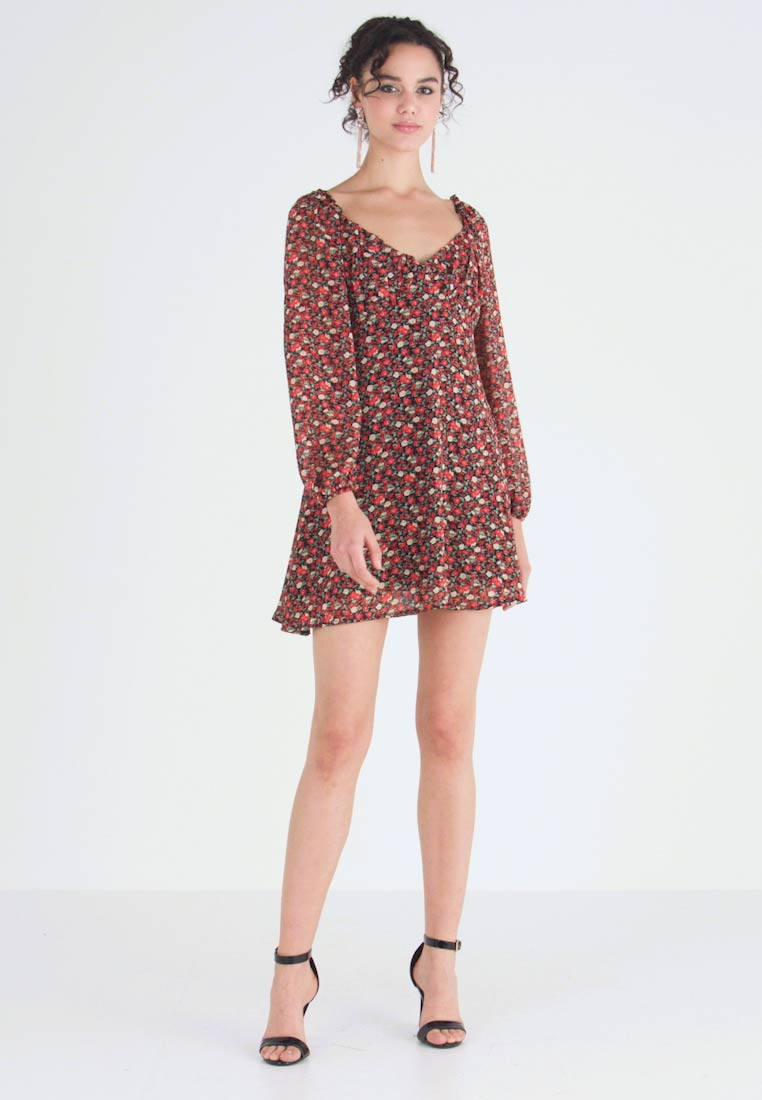 Missguided - MILKMAID DRESS FLORAL - Kjole - red - 1