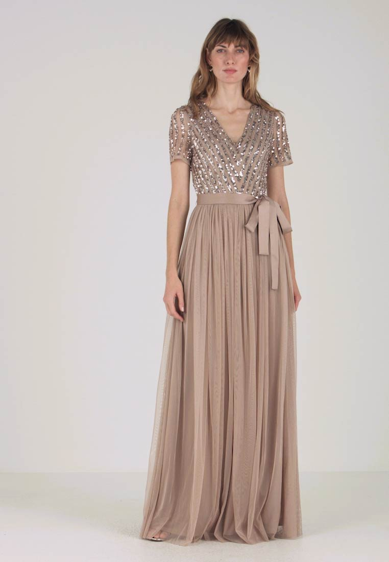 Maya Deluxe - STRIPE EMBELLISHED MAXI DRESS WITH BOW TIE - Iltapuku - nude - 1