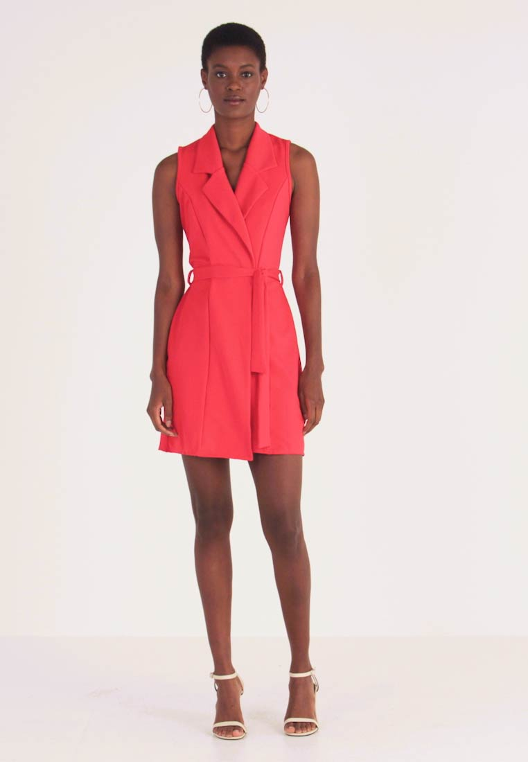 Missguided Tall - SLEEVELESS BLAZER DRESS - Vestido de tubo - poppy red - 1