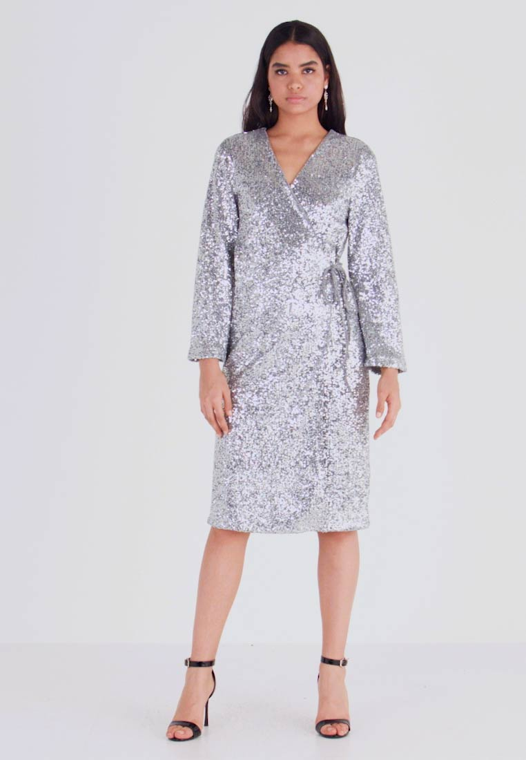 Monki - SANDRA DRESS - Cocktailklänning - silver - 1