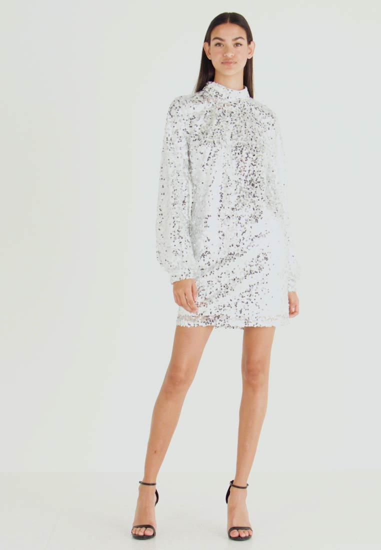 Nly by Nelly - HIGH NECK SEQUIN DRESS - Vestido informal - silver - 1