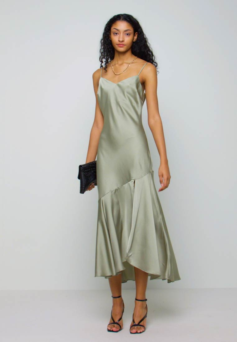 New Look - TRUMPET MIDI DRESS - Cocktail dress / Party dress - light green - 1
