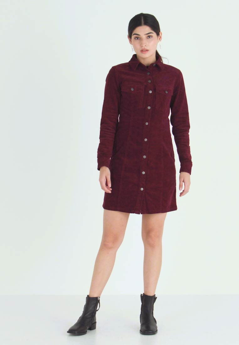 New Look Petite - BODYCON DRESS - Shirt dress - red - 1