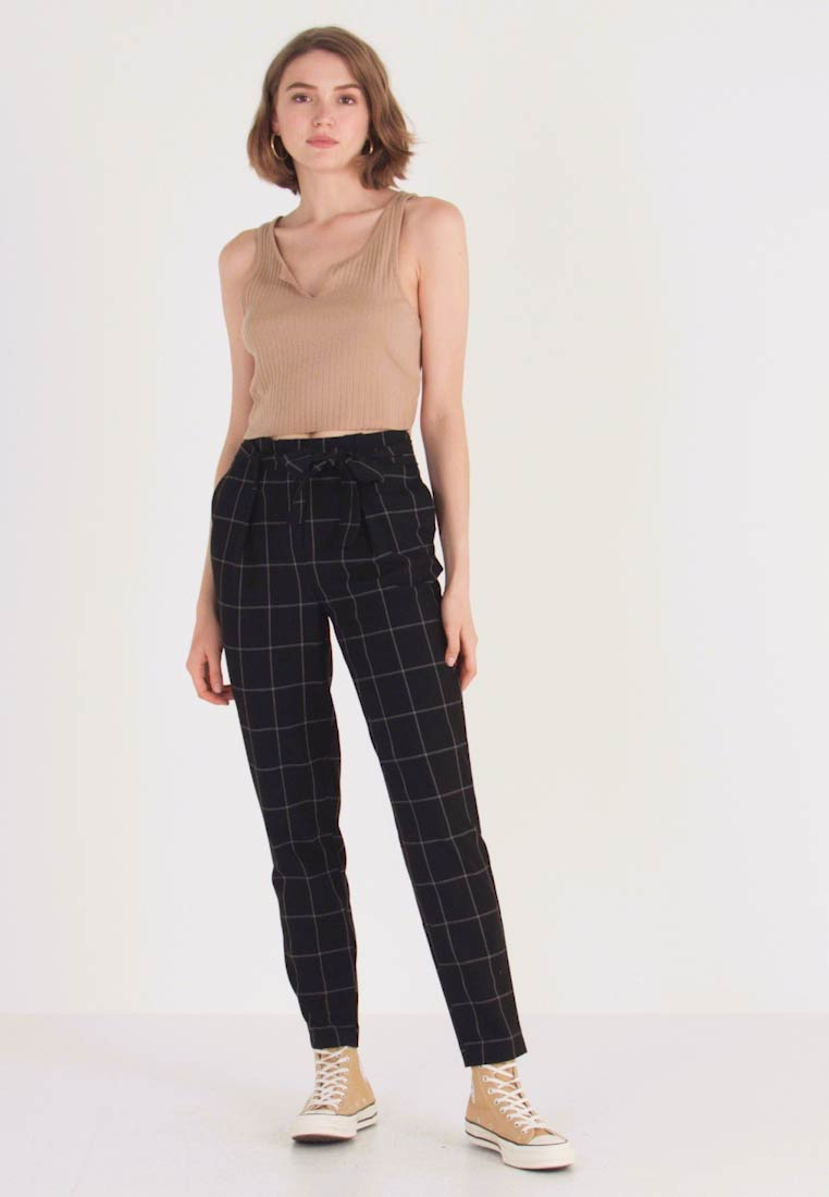 ONLY - ONLNICOLE PAPERBACK BELT CHECK PANT - Bukse - black - 1