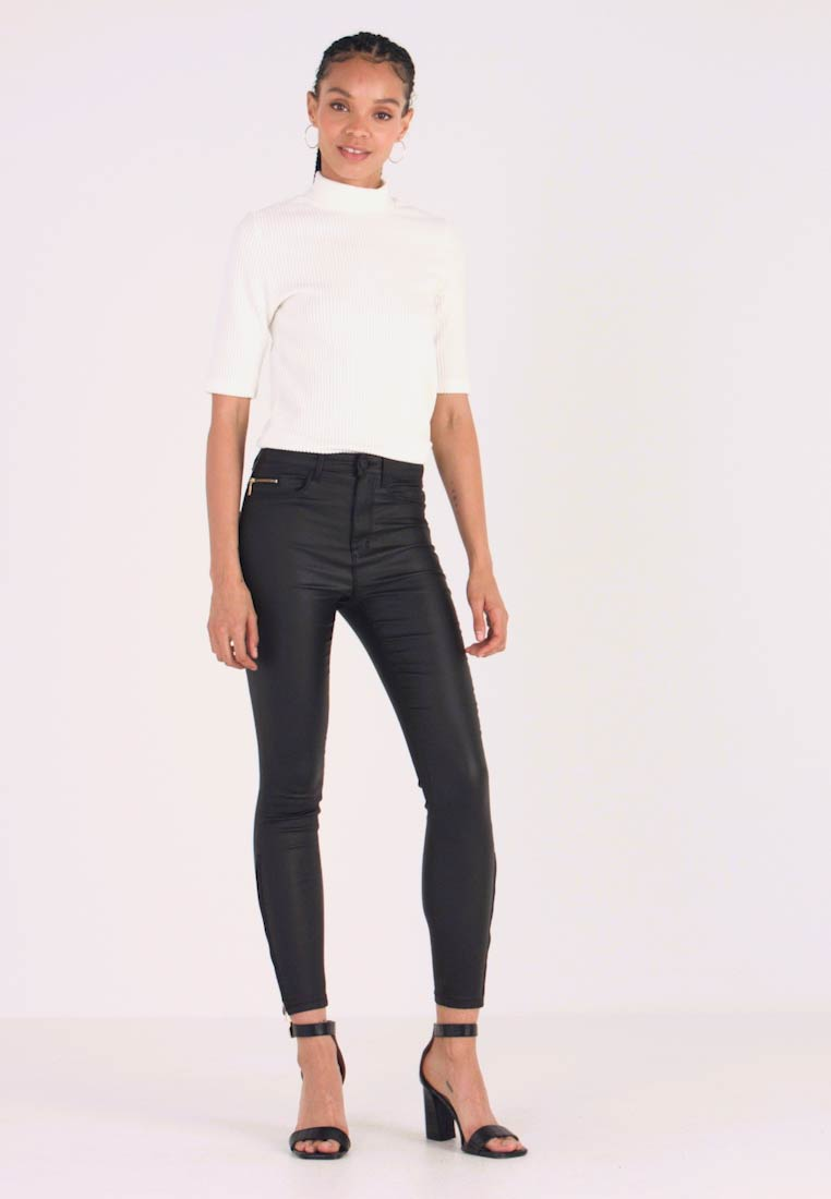 ONLY - ONLROYAL COATED ANKLE ZIP PANT - Vaqueros pitillo - black - 1