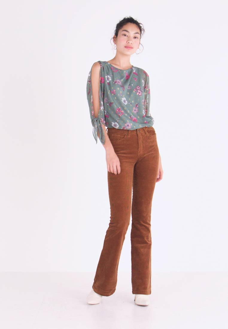 ONLY Tall - Flared Jeans - toasted coconut - 1