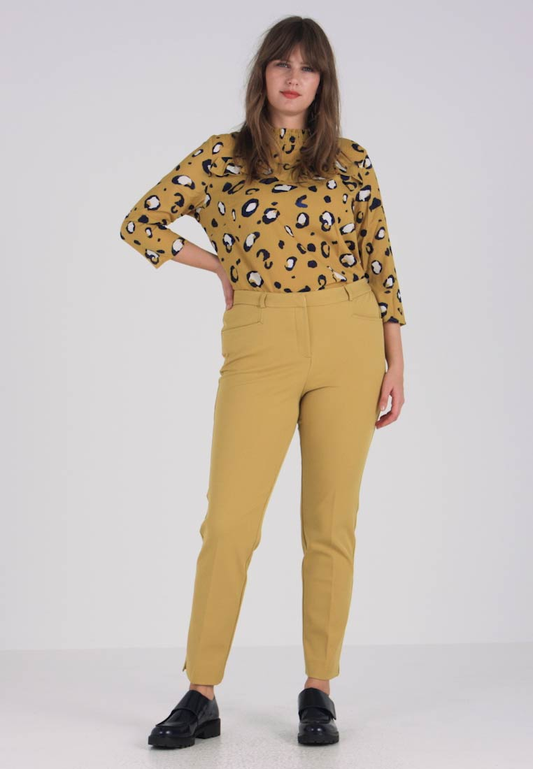 CAPSULE by Simply Be - EVERYDAY KATE TROUSER - Chinos - ochre - 1