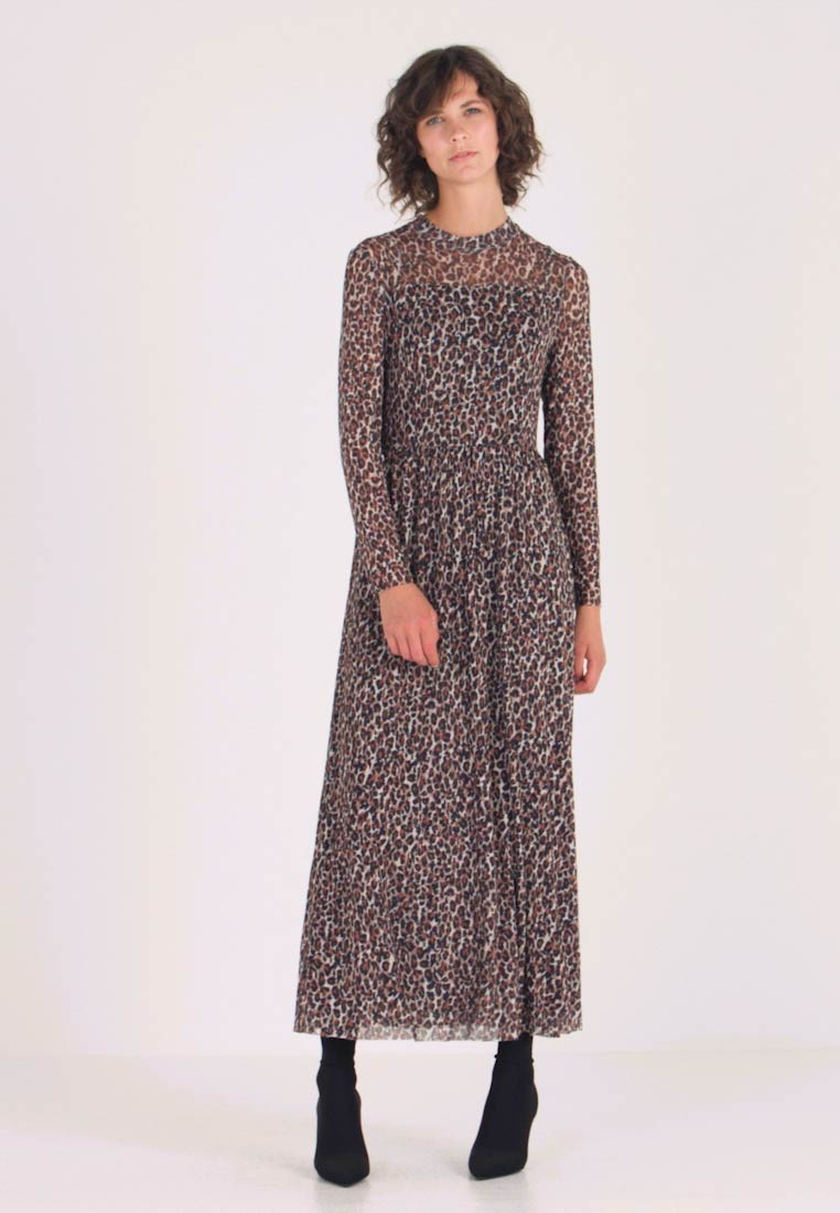 Taifun - Maxi dress - camel - 1