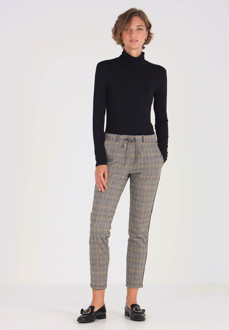 TOM TAILOR - CHECKED PANTS TAPE - Tracksuit bottoms - black/white/yellow/grey - 1