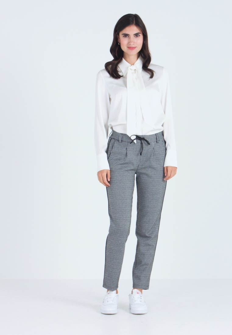 TOM TAILOR DENIM - SOFT HOUNDSTHOOTH PANTS - Bukse - black/white - 1