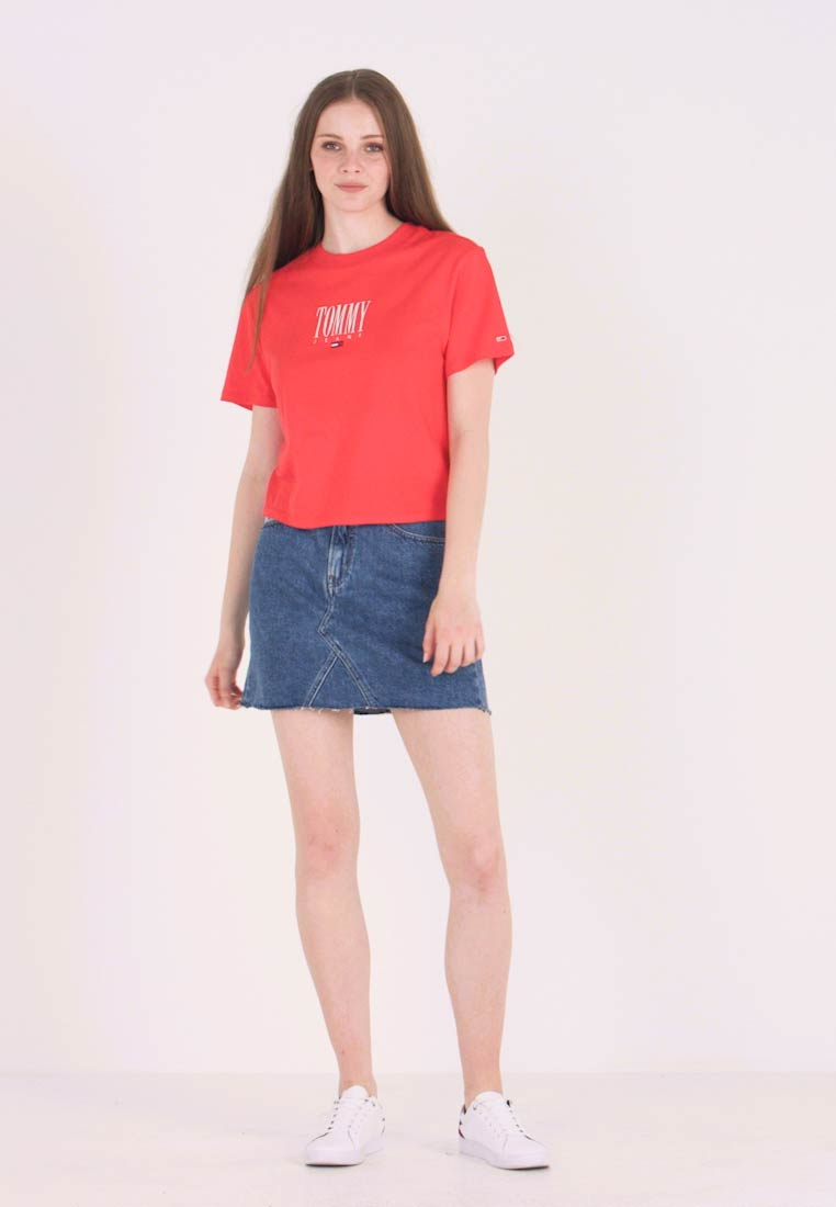 Tommy Jeans - EMBROIDERY GRAPHIC TEE - T-shirt imprimé - flame scarlet - 1