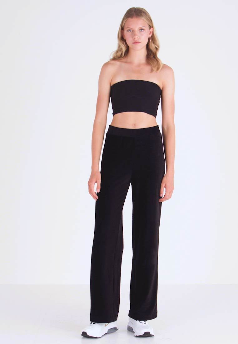 Vero Moda - VMPAN WIDE PANTS - Trousers - black - 1