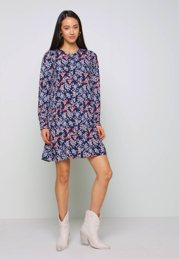 Vero Moda - VMJAMILLA SHORT DRESS  - Vapaa-ajan mekko - night sky - 1
