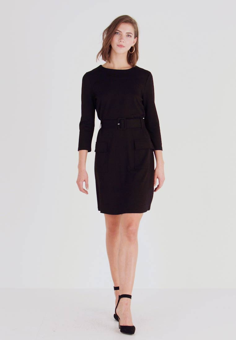 Warehouse - UTILITY BELTED PONTE DRESS - Jersey dress - black - 1