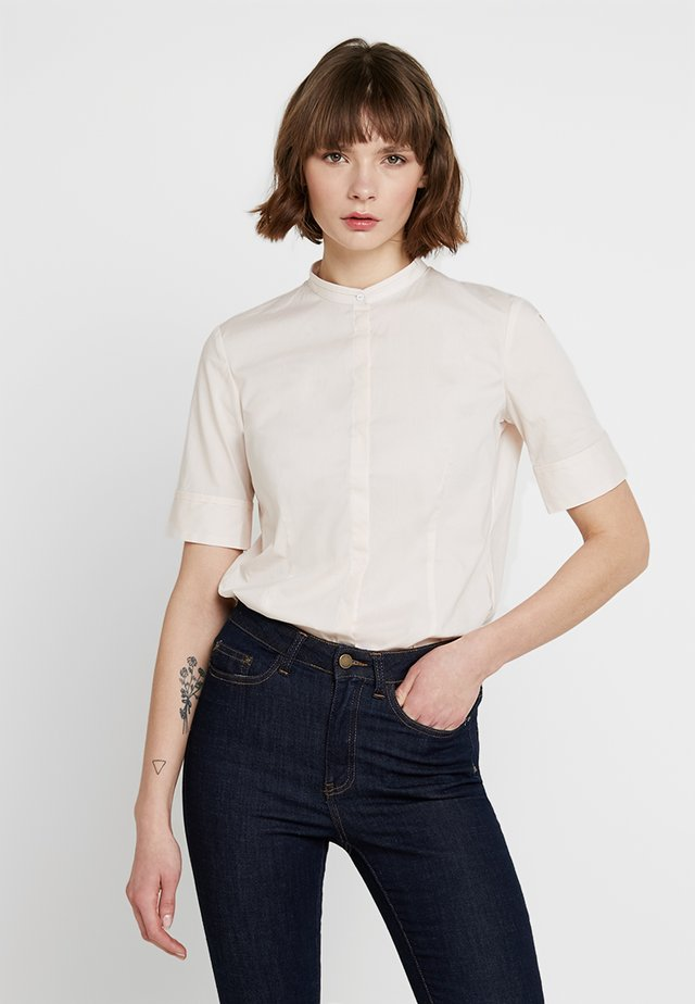 SHORT SLEEVED STAND COLLAR - Blouse - chilly rose