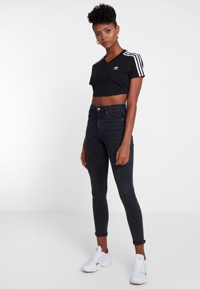 CROPPED TEE - T-Shirt print - black