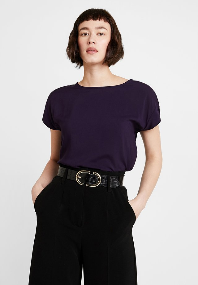 SKITA - Bluse - dark violet