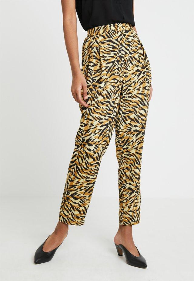 MENDI - Trousers - yellow
