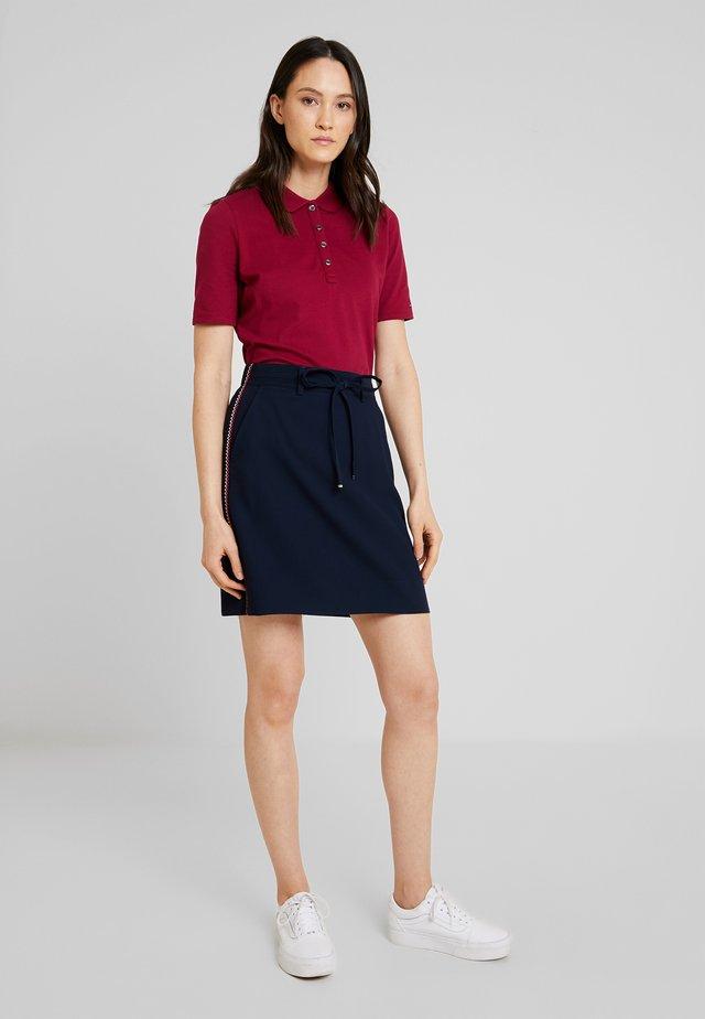 796cb243a Faldas Tommy Hilfiger online de moda | Comprar colección para mujer ...