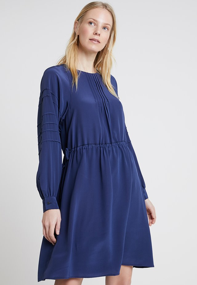 DRESS, FLUENT STYLE - Vestito estivo - tinted ink