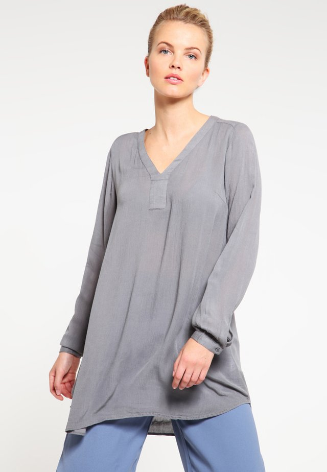 AMBER V NECK  - Tunic - smoked pearl