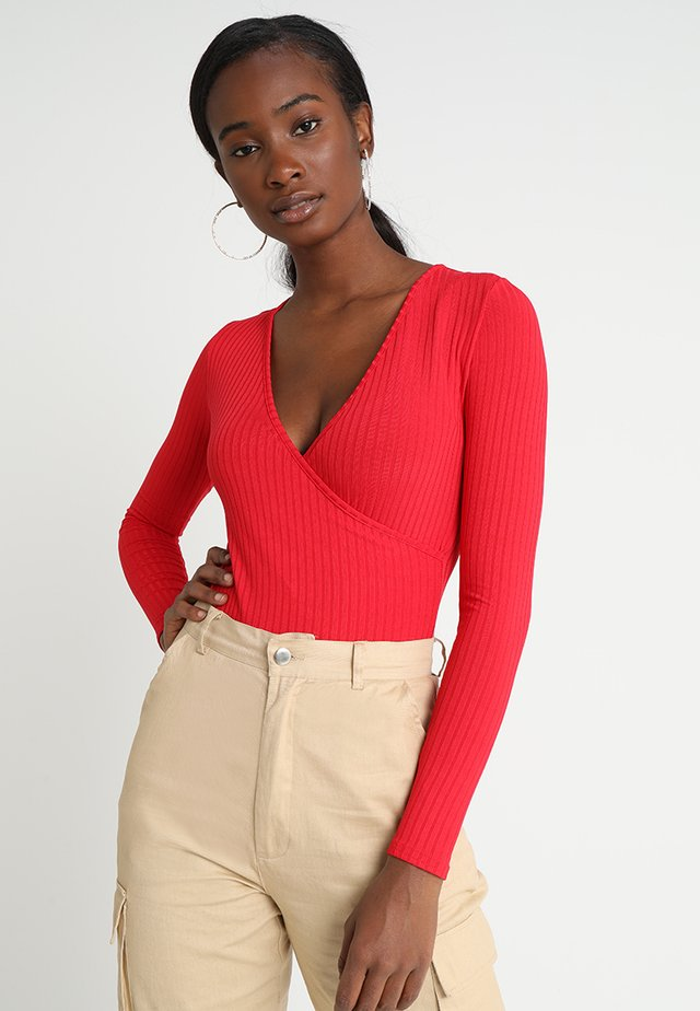 CARLY LONG SLEEVE WRAP BODY - Long sleeved top - red