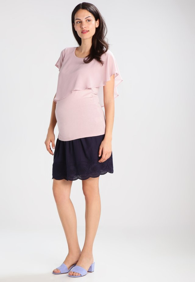 MEREDITH NURSING - T-shirts med print - blush