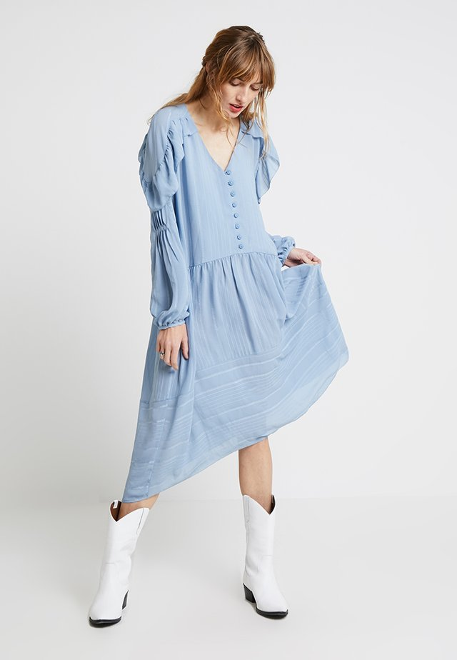 RECYCLED DOBBY - Maxi dress - faded denim