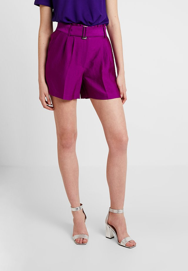 PAPERBAGWAIST BELTED - Shorts - rich magenta