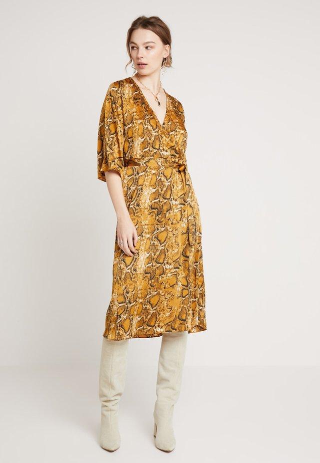 BXJONNA DRESS - Day dress - yellow