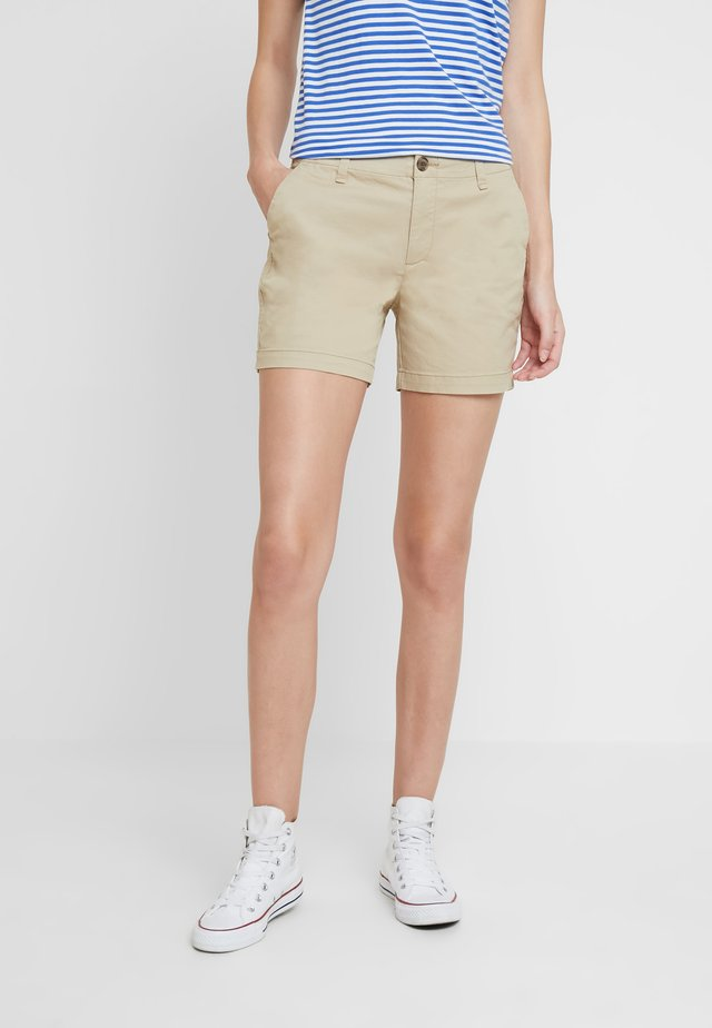 IN CITY  - Shorts - iconic khaki