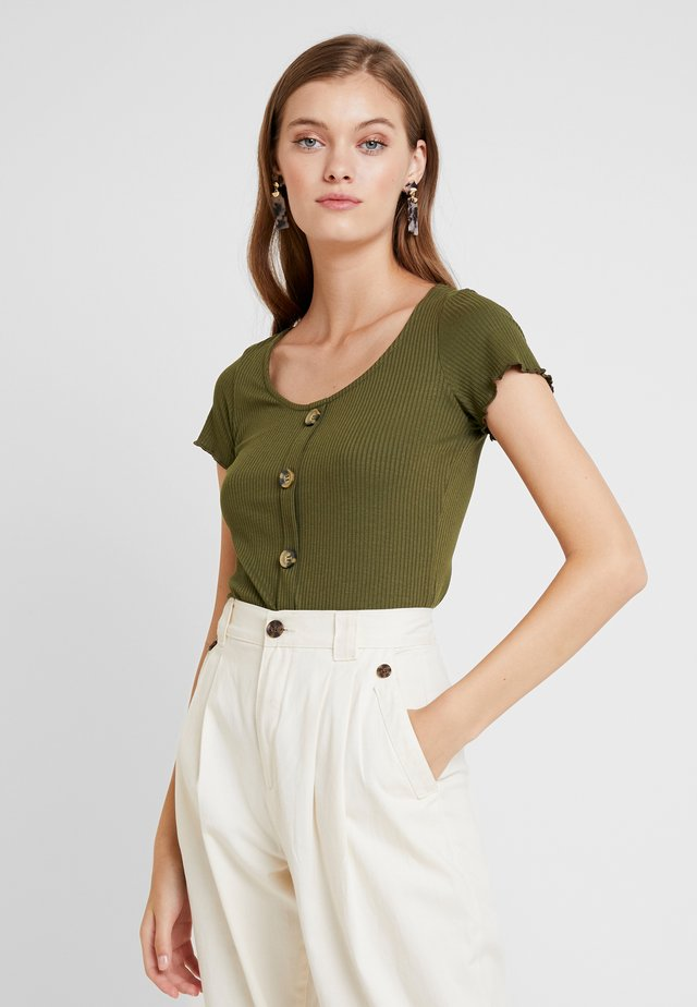 BUTTON THROUGH - T-shirt imprimé - khaki