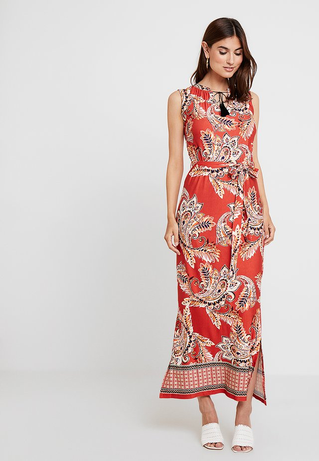 NEW SPICED PAISLEY TASSEL - Maxikleid - rust
