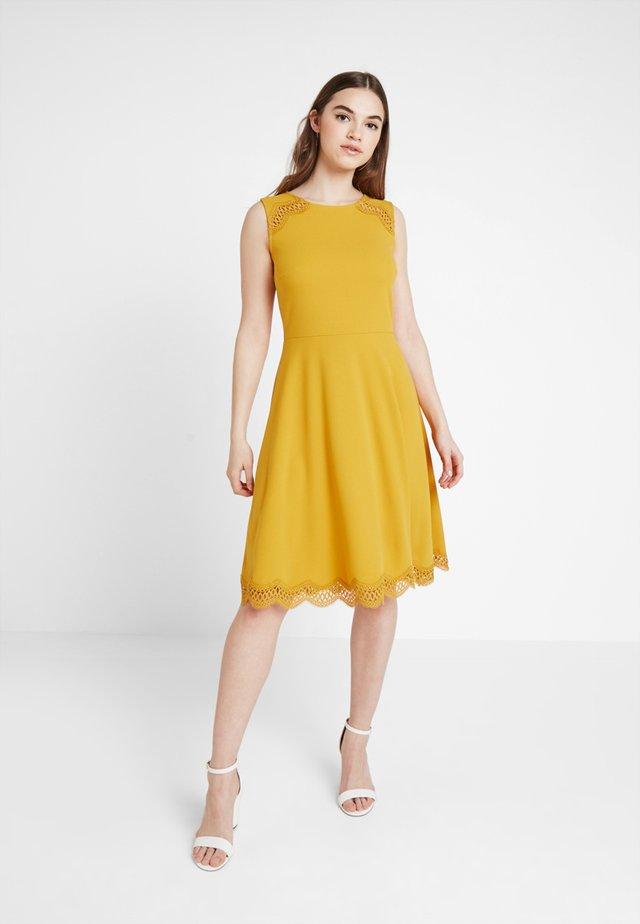 Jersey dress - golden yellow